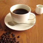 コーヒーかすが雑草にも効くってホント?発芽抑止成分の謎